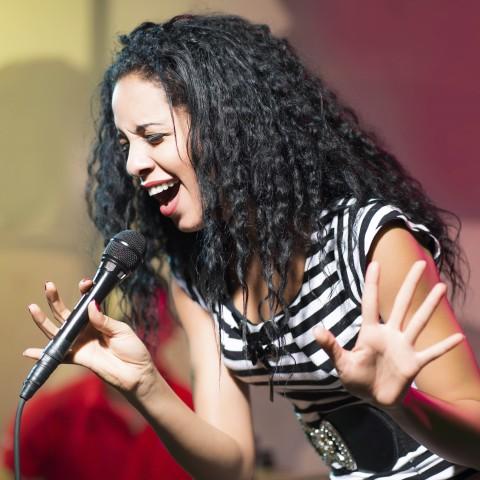 Sai Sings Well Like a Singer